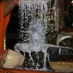 milk-abhishekam-shiva-lingam-yoni-milk-conch-puja_000
