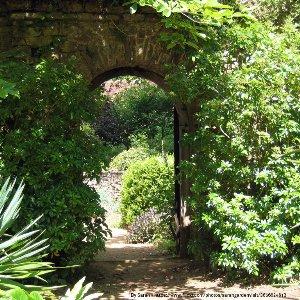 garden-design-surrey-arts-crafts