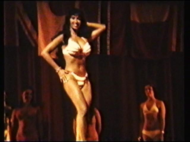 Kellie Everts - 1974 NABBA Bikini Universe (2)
