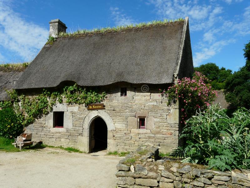typical-breton-house-village-poul-fetan-france-stone-thatched-roof-traditional-folkloric-unique-open-air-museum-166132034