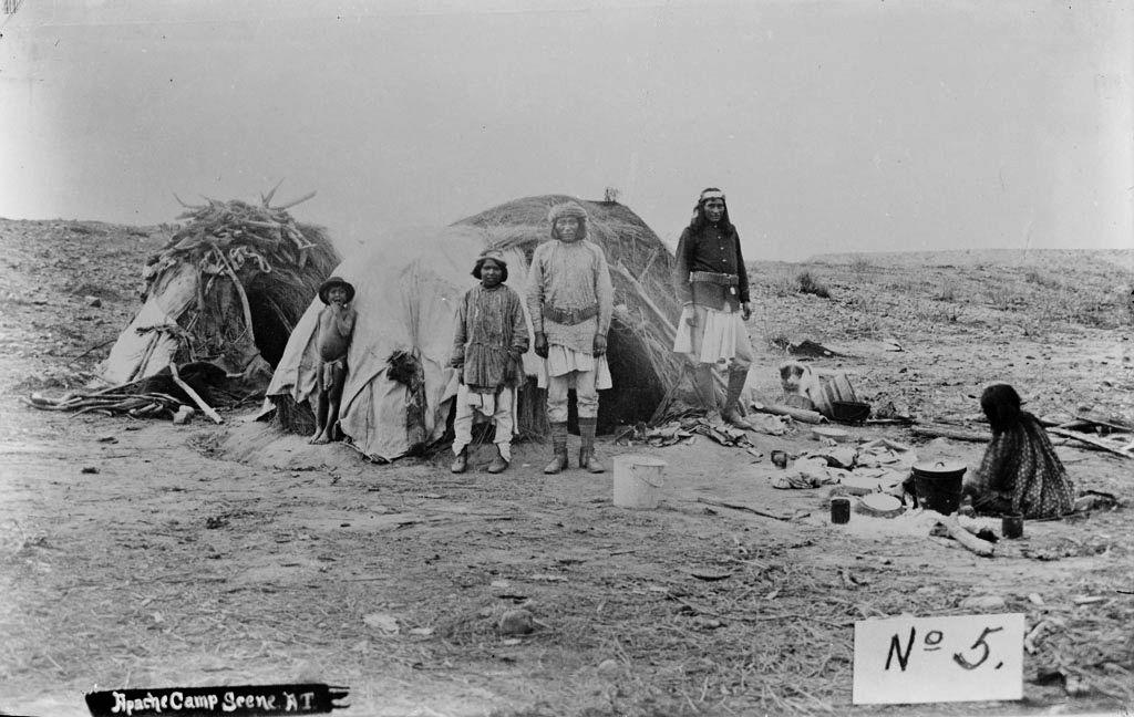 Apache-Wickiup-Camp-1882
