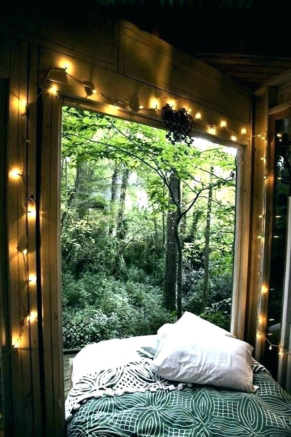 forest-themed-bedroom-design-prospects-garland-accessories-f