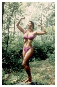 Kellie-in-pink-bikini