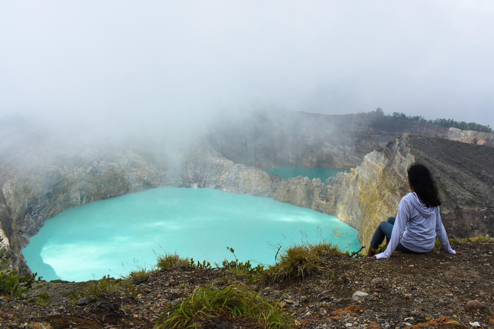 Kelimutu-Volcanic-Lakes
